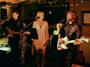 The Stories, The Fleece Inn, Hillesley, 23rd December 2017. Photo by Roland G. Ings.